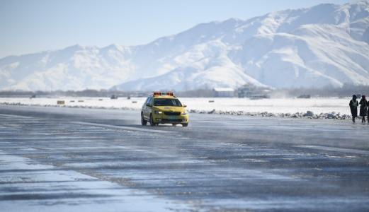对冰雪天气保障航班安全正常