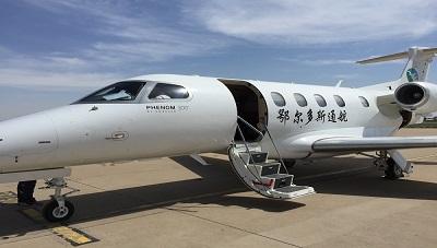 内蒙古监管局对鄂尔多斯通航飞鸿300机型开展驾驶舱航线监察2.jpg
